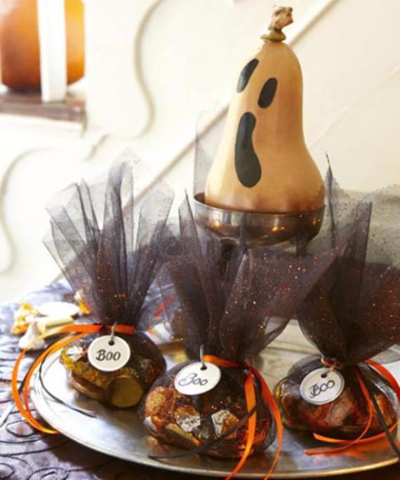 55-Halloween-Decorating-Ideas-Eerie-Elegance-28