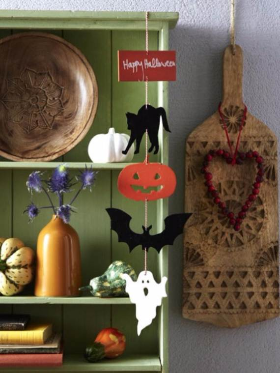 55-Halloween-Decorating-Ideas-Eerie-Elegance-33