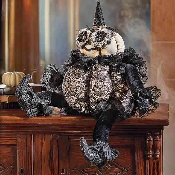 55-Halloween-Decorating-Ideas-Eerie-Elegance-72