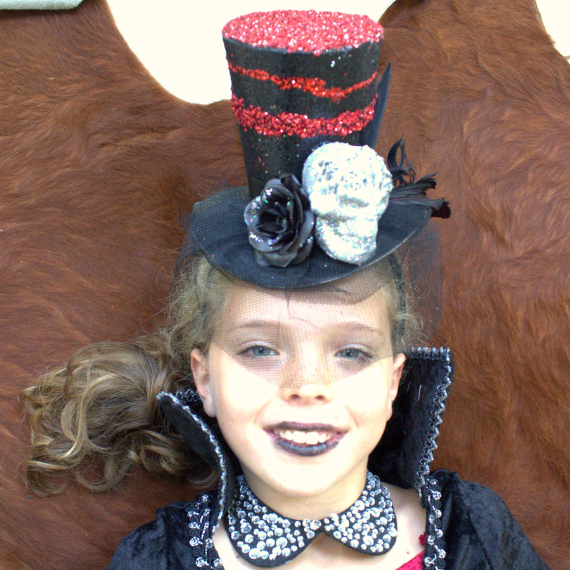 Cool Sweet And Funny Toddler Halloween Costumes Ideas For Your Kids (10)