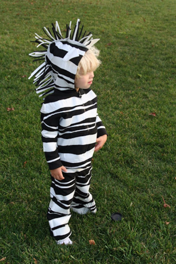 Cool Sweet And Funny Toddler Halloween Costumes Ideas For Your Kids (2)