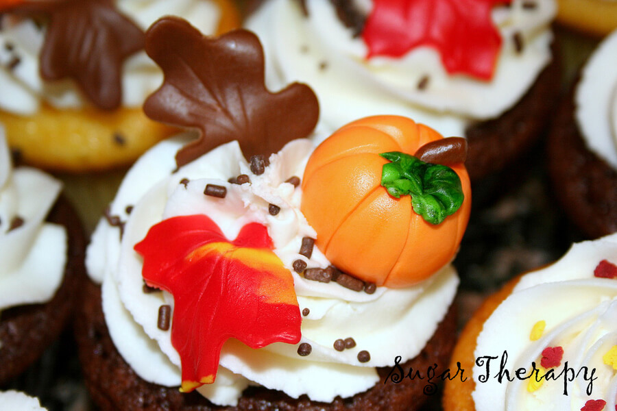 Cute Fall & Halloween Heavenly Holiday Desserts (25)