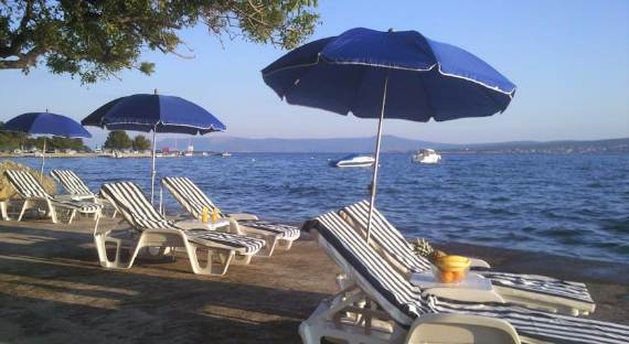 fabulous-contemporary-villa-mare-crikvenica-with-an-elegant-touch-16