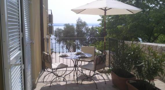 fabulous-contemporary-villa-mare-crikvenica-with-an-elegant-touch-3