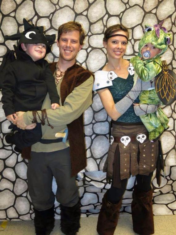 Family Halloween Costumes (16)
