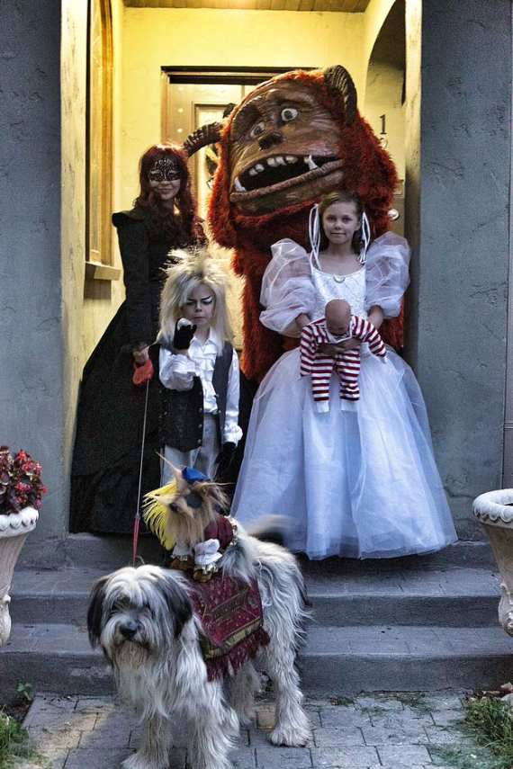 Family Halloween Costumes (24)