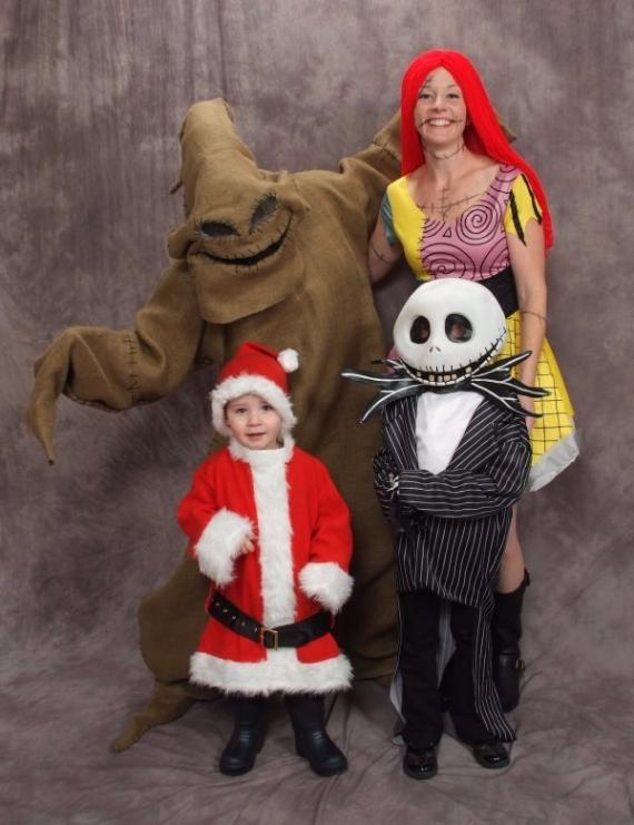 Family Halloween Costumes (28)