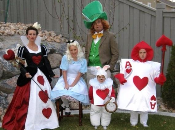 Family Halloween Costumes (32)