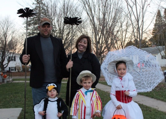 Family Halloween Costumes (36)