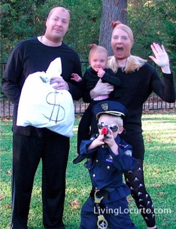 Family Halloween Costumes (37)
