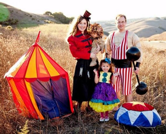 Family Halloween Costumes (39)