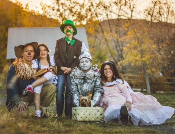 Family Halloween Costumes (49)