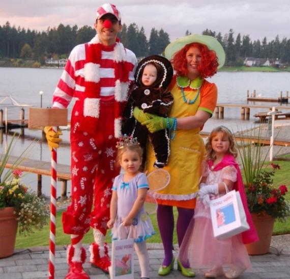 Family Halloween Costumes (53)