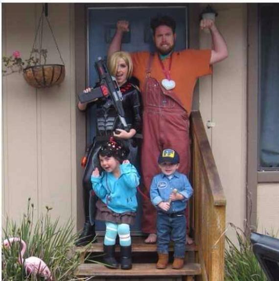Family Halloween Costumes (8)