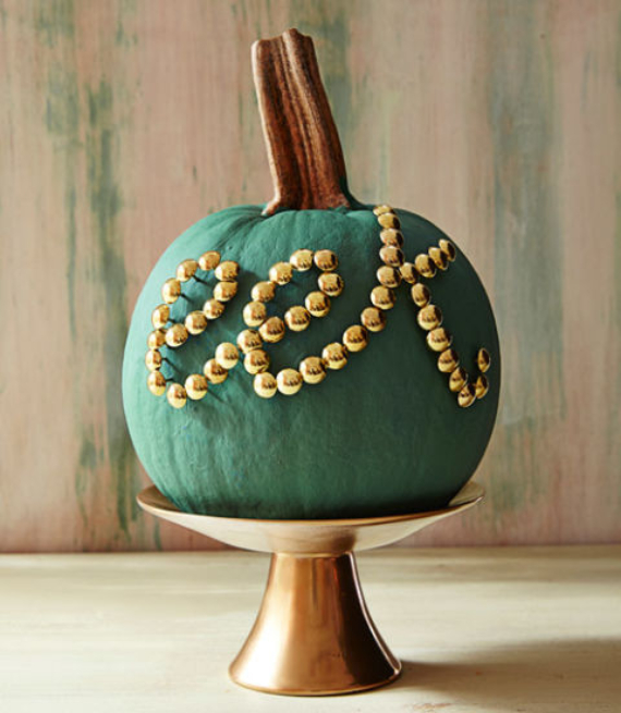 New Ways to Decorate Your Halloween Pumpkins (18)