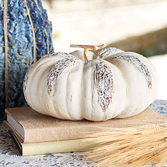 New Ways to Decorate Your Halloween Pumpkins (31)