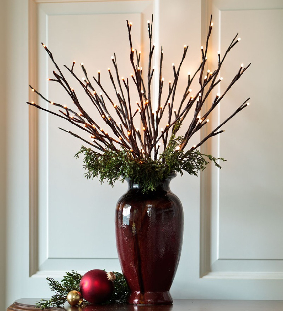 40 Unique Ways to Decorate With Christmas Lights (38)
