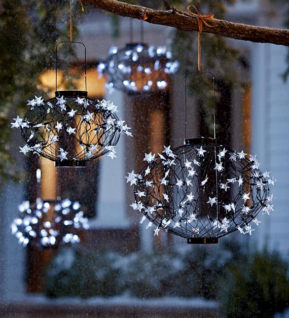 40 Unique Ways to Decorate With Christmas Lights (5)