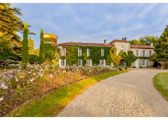 Chateau-Bellevie-Midi-Pyrenees-France- (5)