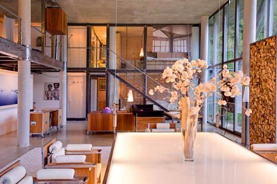 delightful-home-amplifying-the-beauty-of-its-surrounding-the-heinz-julen-loft-12
