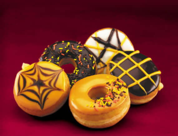 Easy Halloween Treats Doughnuts of Doom (17)