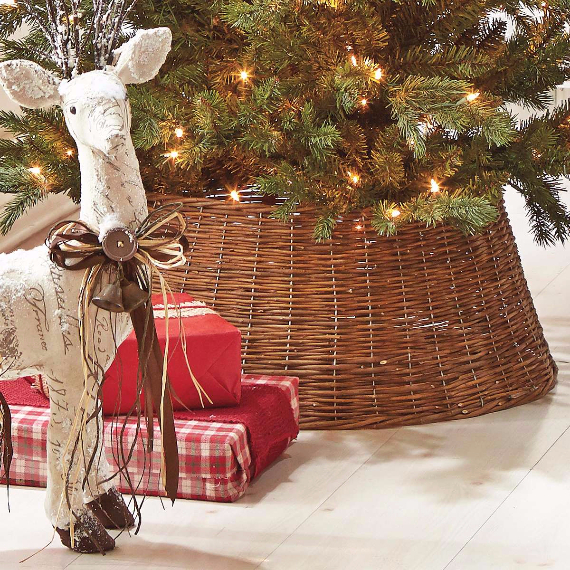 Fascinating Christmas Ideas For Indoors And Outdoors (10)
