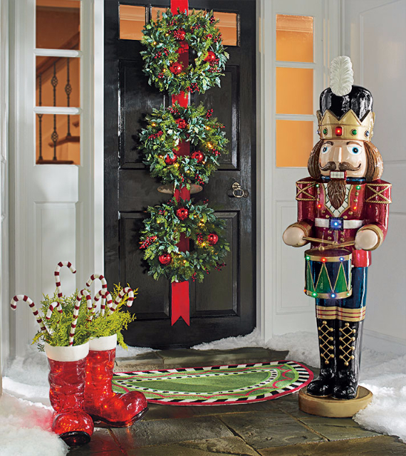 Fascinating Christmas Ideas For Indoors And Outdoors (104)