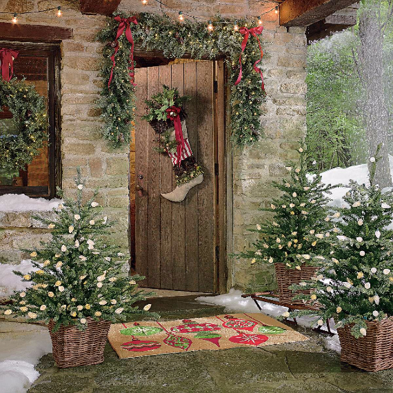 Fascinating Christmas Ideas For Indoors And Outdoors (28)
