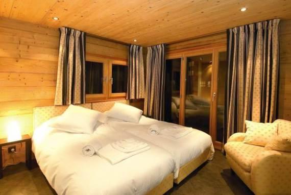 luxury-haus-gmatchi-chalet-in-the-heart-of-switzerland-7