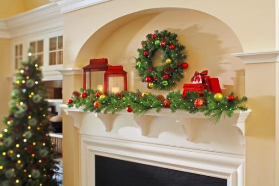Mantel Decor Ideas For A Magical Christmas (3)