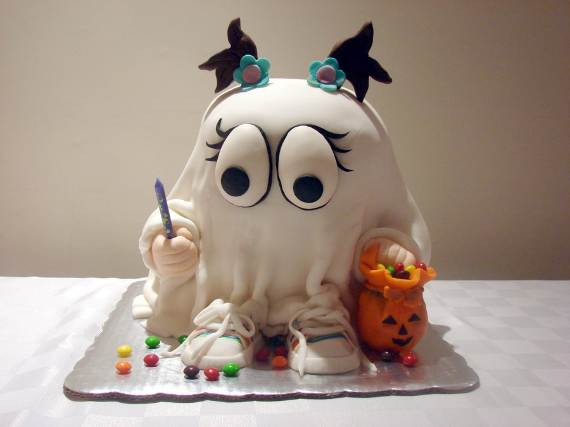 Very-Easy-Ghost-cupcake-for-Halloween-5