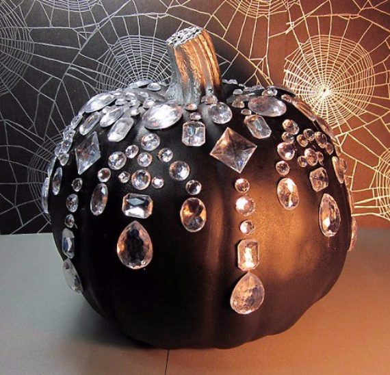 Ways to Decorate for Fall, Halloween and Thanksgiving With Pumpkins (13)