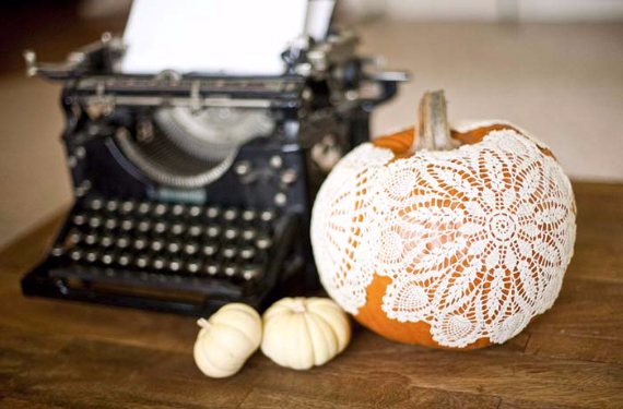Ways to Decorate for Fall, Halloween and Thanksgiving With Pumpkins (16)