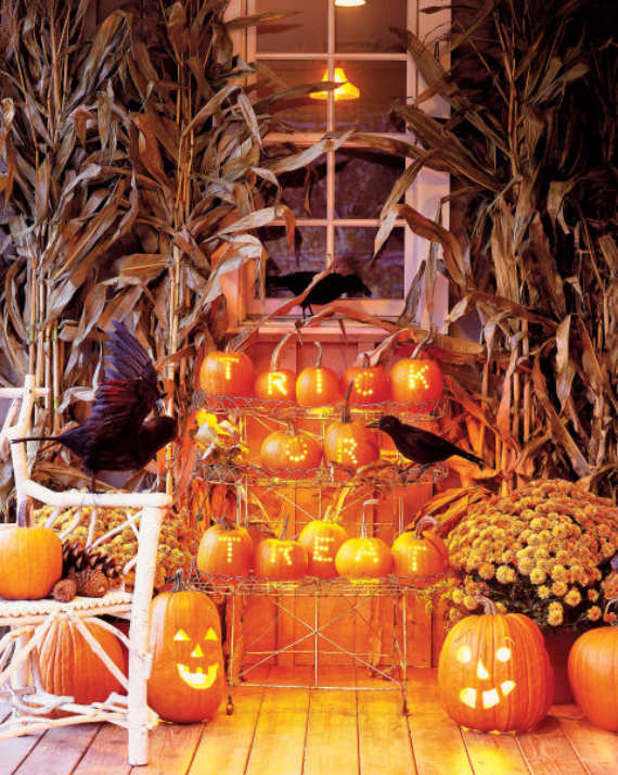 Ways to Decorate for Fall, Halloween and Thanksgiving With Pumpkins (8)