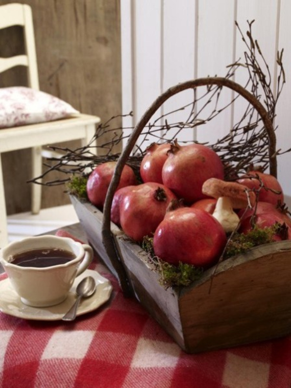 Autumnal Decorating Ideas With Pomegranates (6)