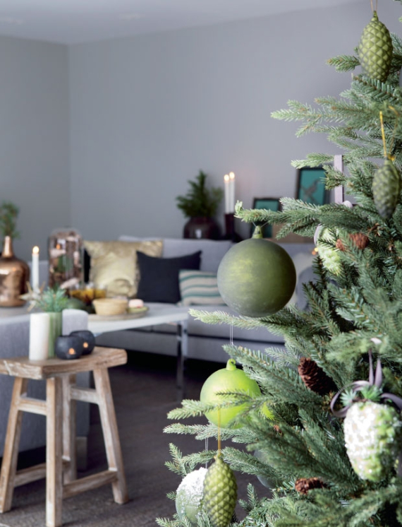 Christmas Decor In Shades Of Green (3)