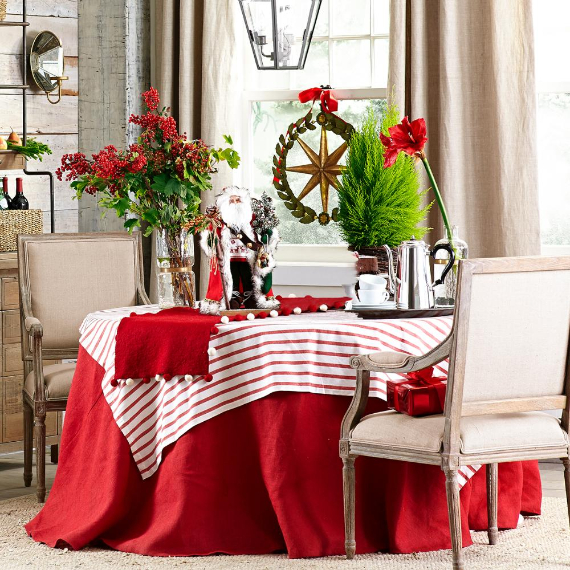 Christmas Dining Table Decor In Red And White (1)