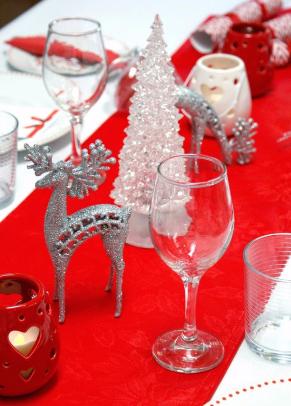 Christmas Dining Table Decor In Red And White  (19)