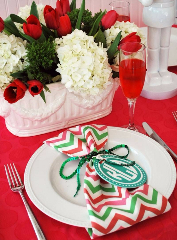 Christmas Dining Table Decor In Red And White  (23)