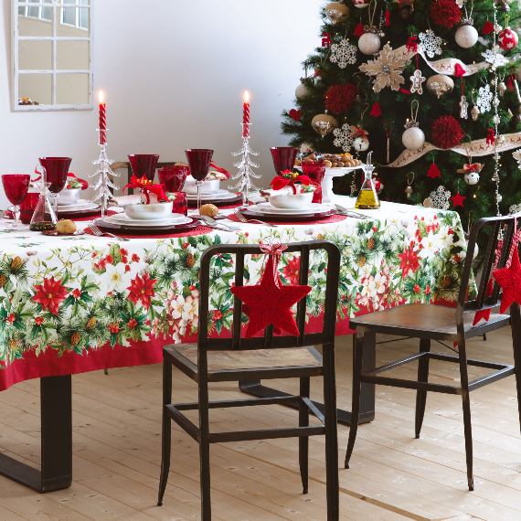Christmas Dining Table Decor In Red And White (6)