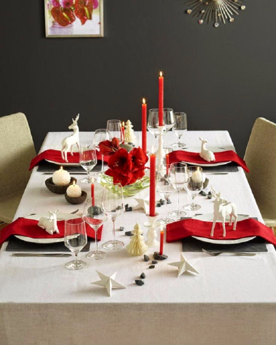 Christmas Dining Table Decor In Red And White (9)