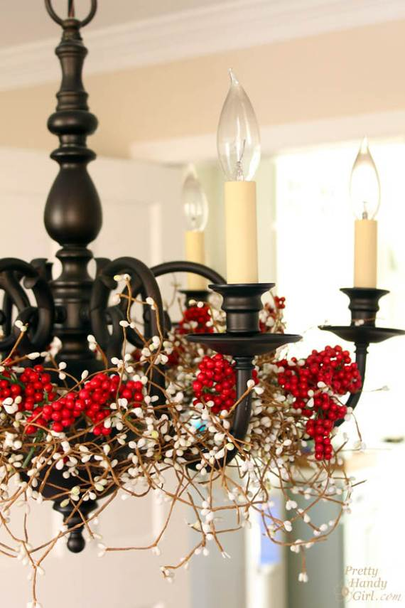 Christmas-Pendant-Lights-and-Chandeliers-1