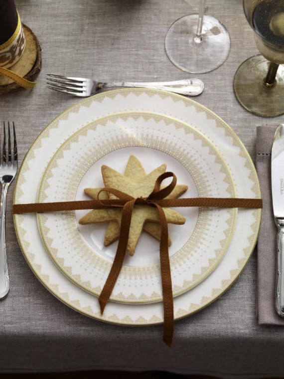 DIY Christmas Table Setting& Centerpieces Ideas (18)