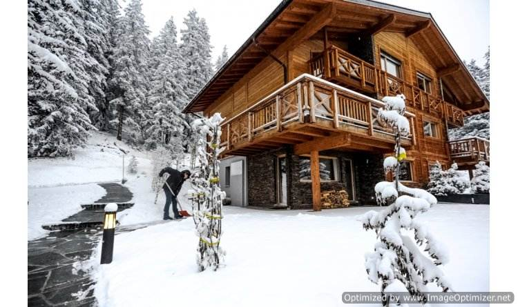perfect-ski-retreat-in-big-sky-montana-the-luxury-chalet-le-vieux-bisse-1