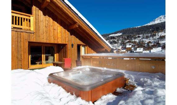 remote-luxury-chalet-surrounded-by-natural-delight-taiga-lodge-4