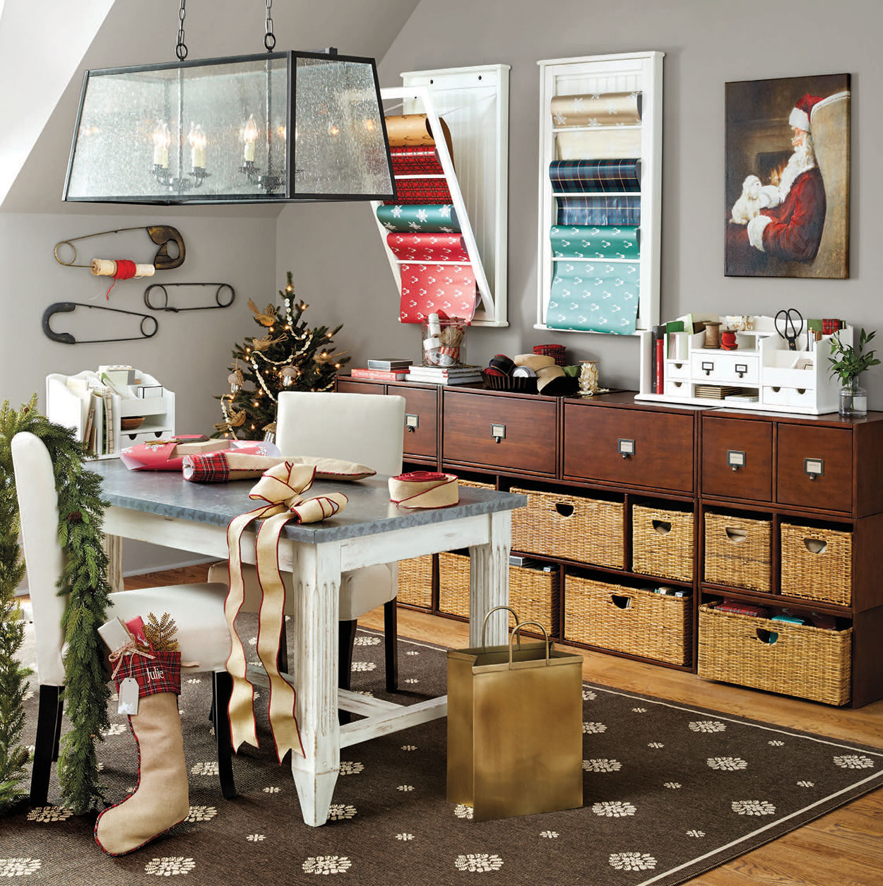 Stylish Home Office Christmas Decoration Ideas  (27)