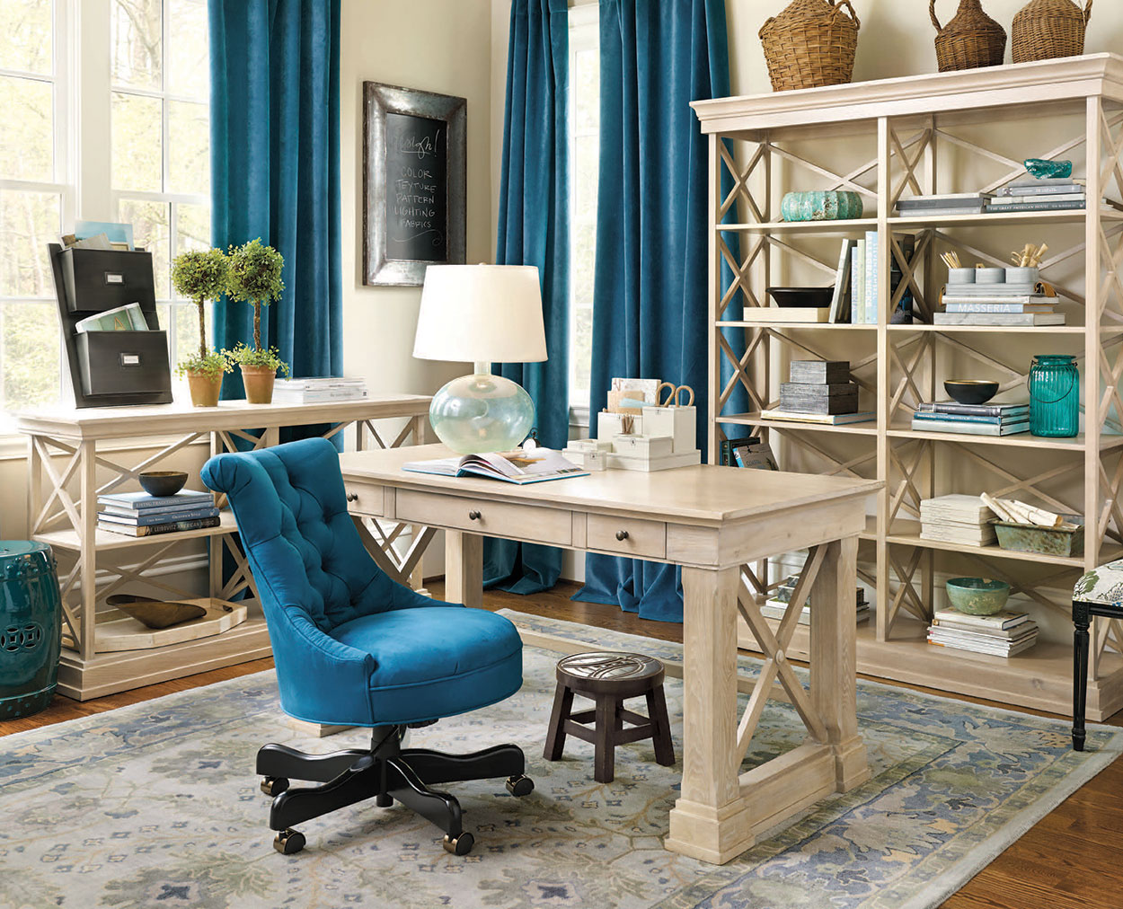 Stylish Home Office Christmas Decoration Ideas  (47)