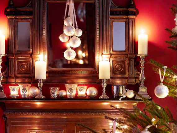 Holiday Styling Spotlight... Elkie Brown (86)