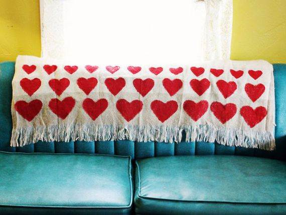 adorably-elegant-interior-valentines-day-decor-ideas-75