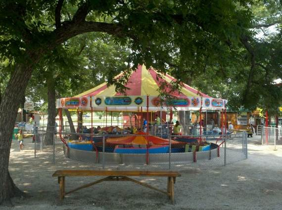 Family-fun-Sandy-Lake-Amusement-Park-12